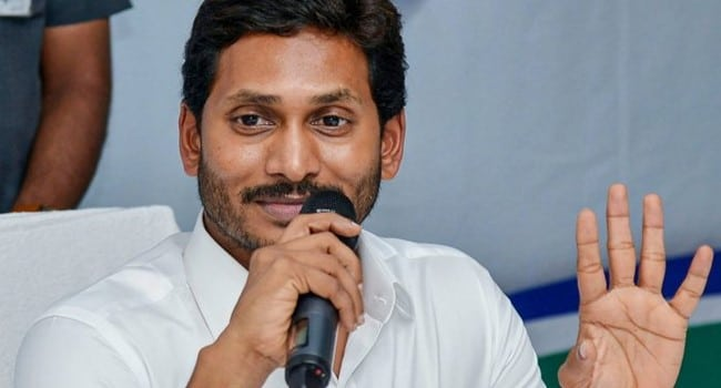Jagan Mohan Compares COVID-19 to Ordinary Fever - india news in kannada