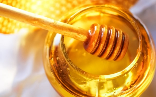 Honey will help you to get rid of cough and cold